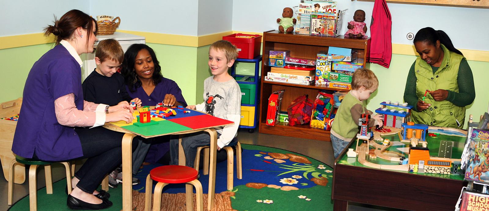 ChicagoCAC Child Life